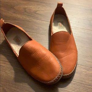 UGG Flat Shoes !